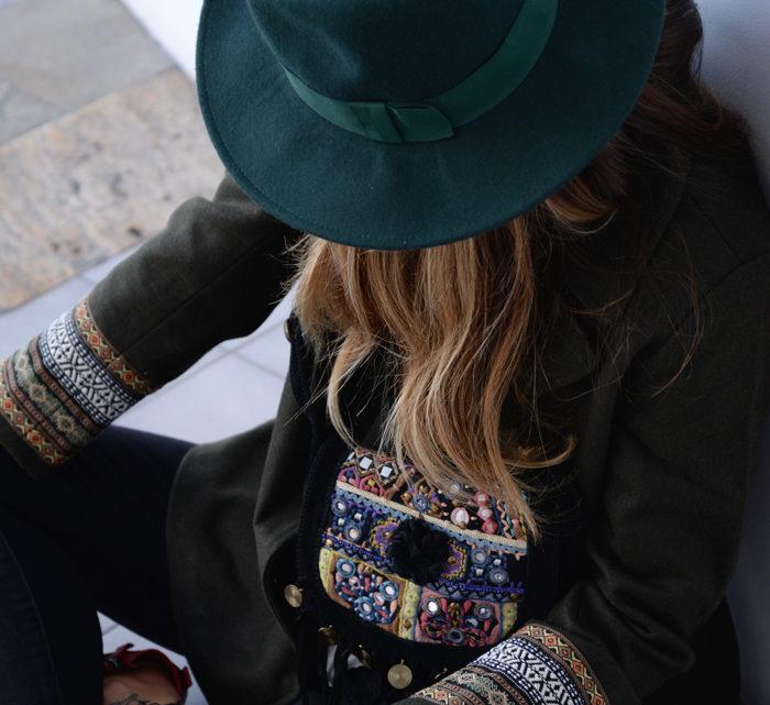 atacadas-look-invierno-surkana-ethnic-jacket-street-style-16