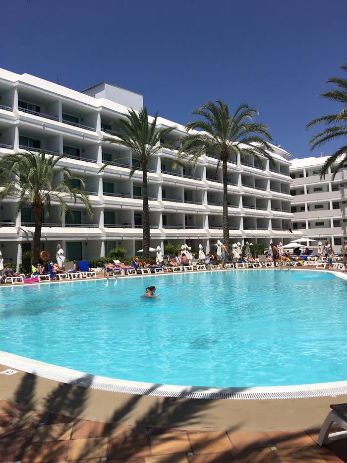 atacadas-hotel-labranda-bronze-playa-gran-canaria-1