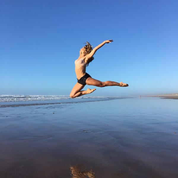 atacadas-wolford-summer-ballet-fit-ballerina-beach